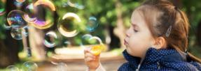 Comment aider son enfant à améliorer ses symptômes de l'autisme ?