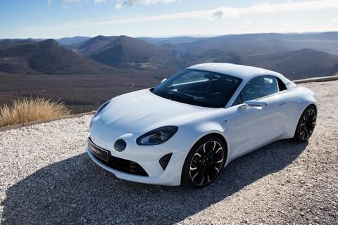 voiture-alpine-blanche