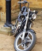 L'assurance moto au tiers est la couverture minimale à avoir