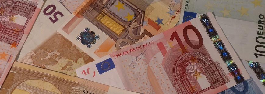 Les banques augmentent leurs tarifs pour compenser la baisse des marges