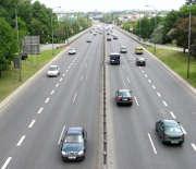 En fonction des caractéristiques de la route, adaptez votre vitesse