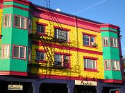 logement-colore-maison-ville