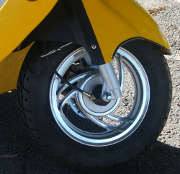 roue-jaune-moto-scooter-mp3