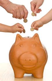 cochon-argent-mains-pieces