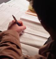 contrat-signature-homme-main