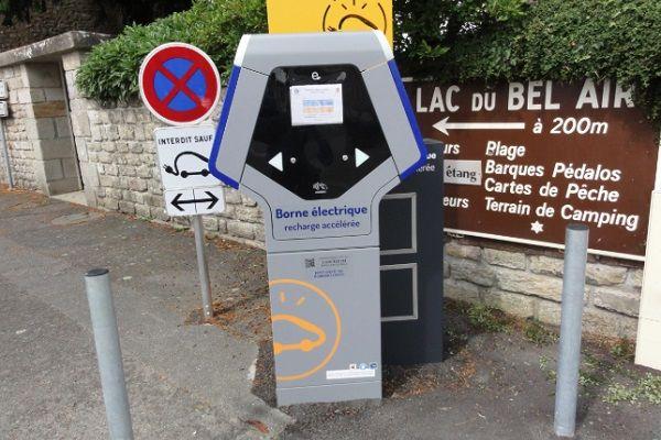 Les bornes de recharge sont de plus en plus nombreuses sur le territoire français