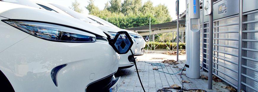 auto-electrique-recharge