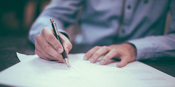 contrat-signature-papier