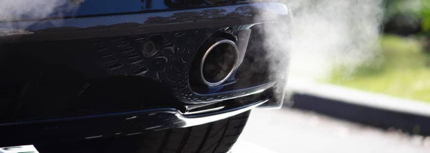 voiture-fumee-echappement