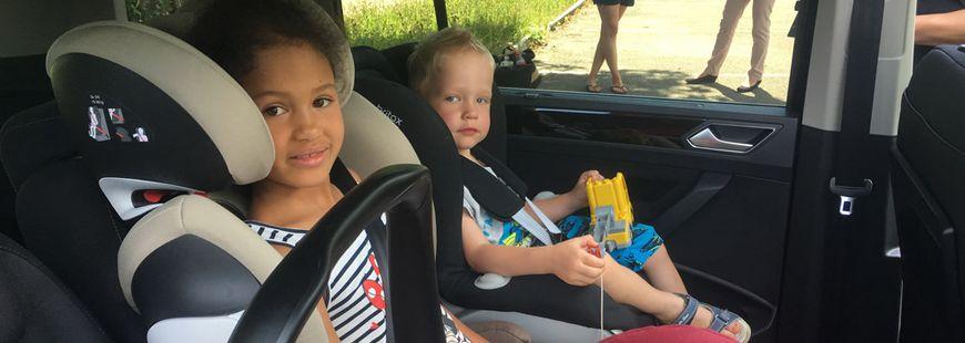 enfants-voiture-sécurité