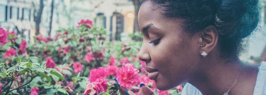 femme-fleur-respire