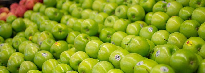 79,7 % des échantillons de pomme examinés contenaient des résidus de pesticides