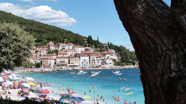 habitation-plage-vacances-ciel-bleu