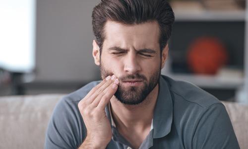 Soigner rapidement un mal de dent chez le dentiste