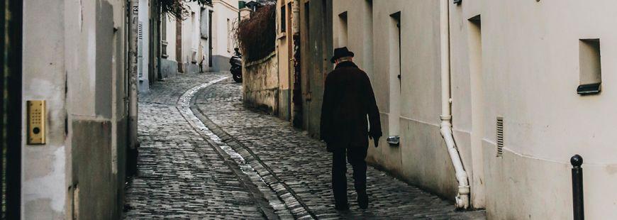 homme-seul-rue