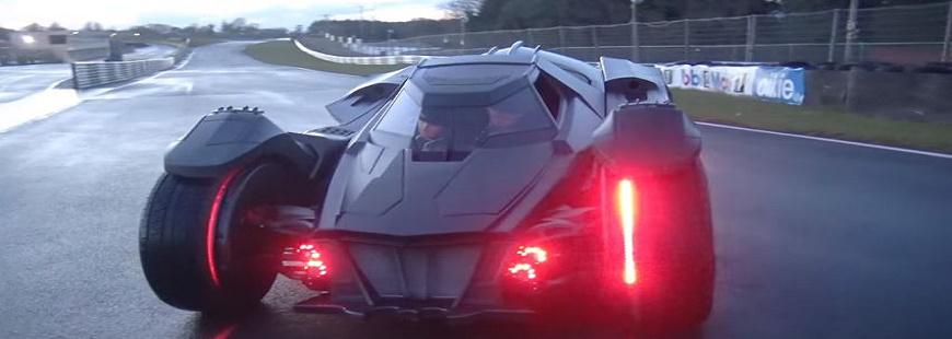Vidéo : découvrez la Batmobile à 99 % en fibre de carbone