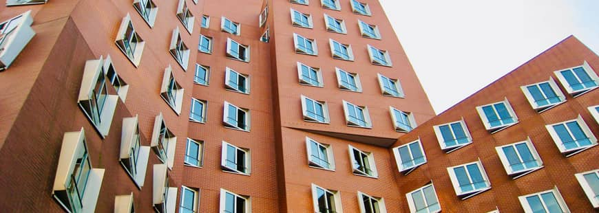immeuble-logements-fenetres-sur-cour