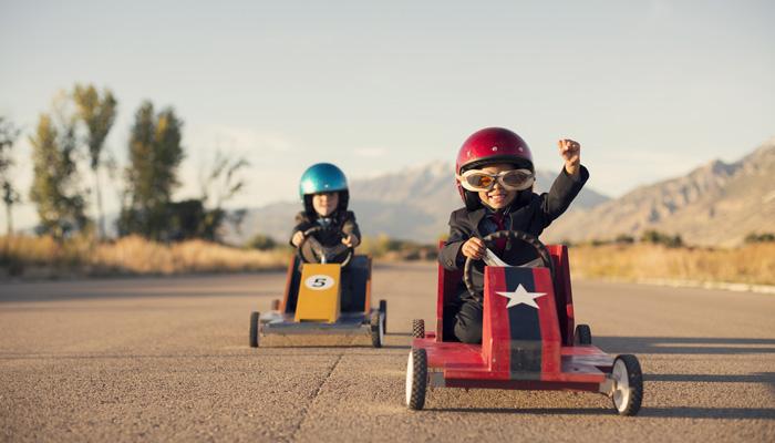 enfants-voitures-route