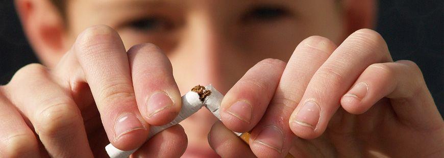 Les jeunes de 17 ans fument de moins en moins