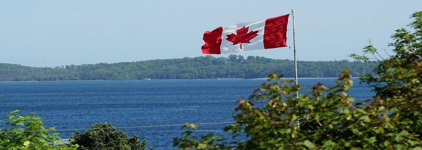 lac-canada-drapeau
