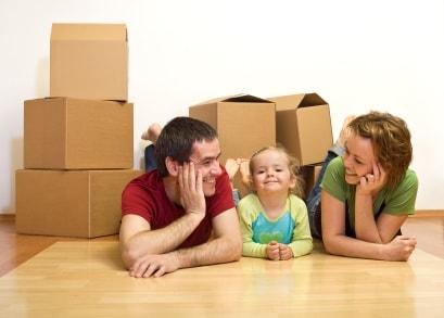 famille-carton-demenagement