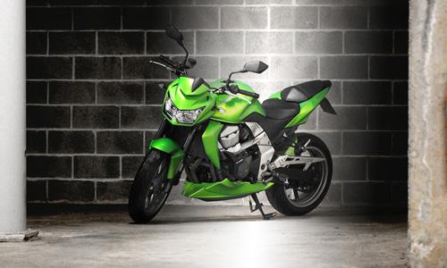 Protégez votre moto l'hiver en la garant au garage