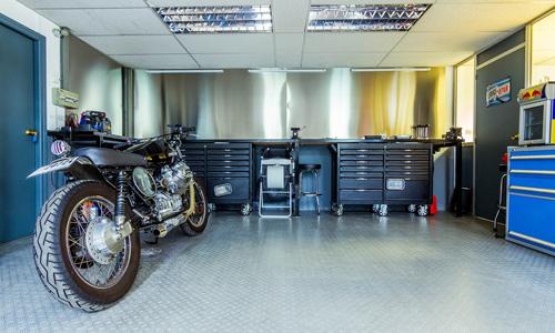 Une moto restée au garage plusieurs mois mérite quelques vérifications