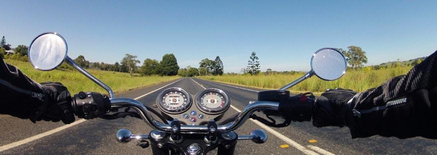 moto-guidon-conduite-ciel
