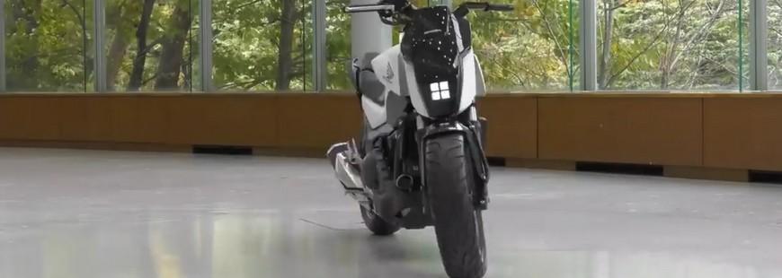 moto honda qui tient debout toute seule
