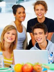Les mutuelles étudiantes ont donc deux finalités : gérer la Sécurité Sociale étudiante et proposer une complémentaire santé