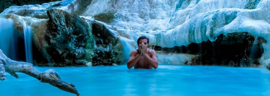Avec la physiothérapie, l'eau est utilisé pour soigner le corps