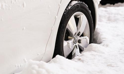 Protégez votre voiture avec de bons pneus pour cet hiver!