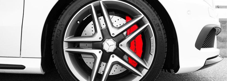 roue-frein-voiture-blanche