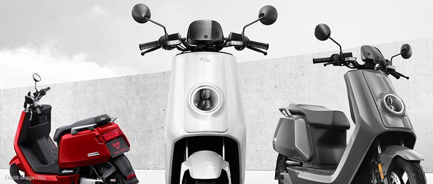 Le N-GT et le M+ sont des scooters électriques et connectés