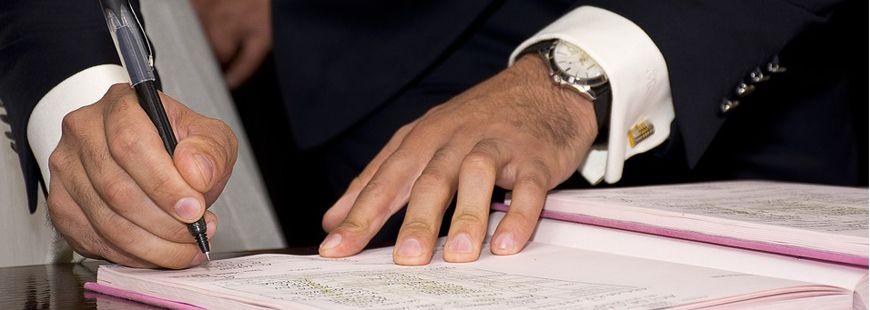 convention-signature-papier-dossier