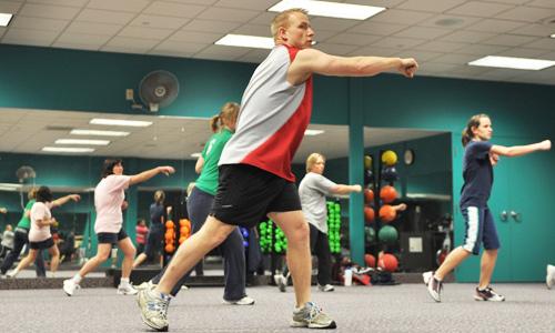 Pratiquer une activité sportive régulière aide à lutter contre l'obésité