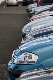 voitures-alignees