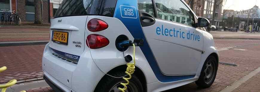 Le coût des batteries va baisser et les tarifs des voitures électriques aussi !
