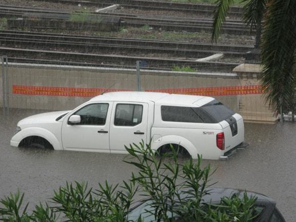 voiture-inondations