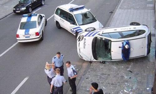 Quand la police fait n'importe quoi au volant