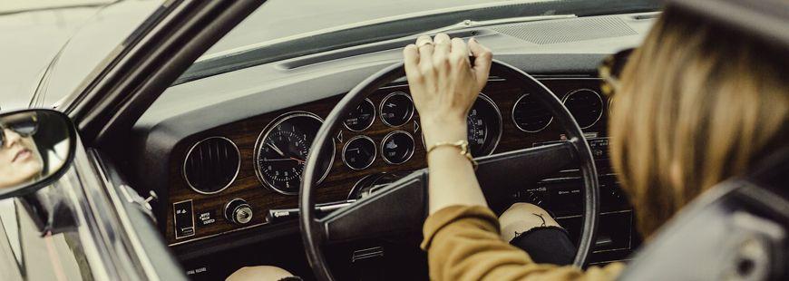 Une voiture sportive, ça peut coûter très cher en assurance !
