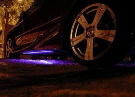 voiture-tuning-neon-lumiere